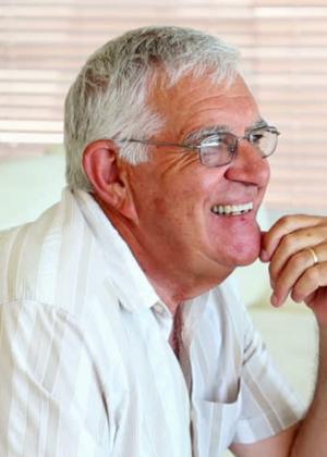 assurance-old-age-man